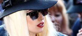 Лейди Гага пуска черен парфюм