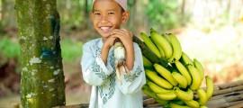 дете с банани
