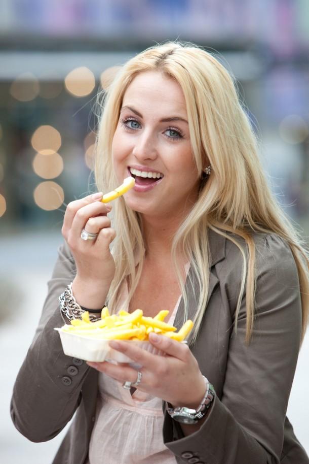 """Учени разработват """"умна"""" храна, която да ни казва кога да спрем да ядем"""