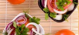 Салата домати и лук